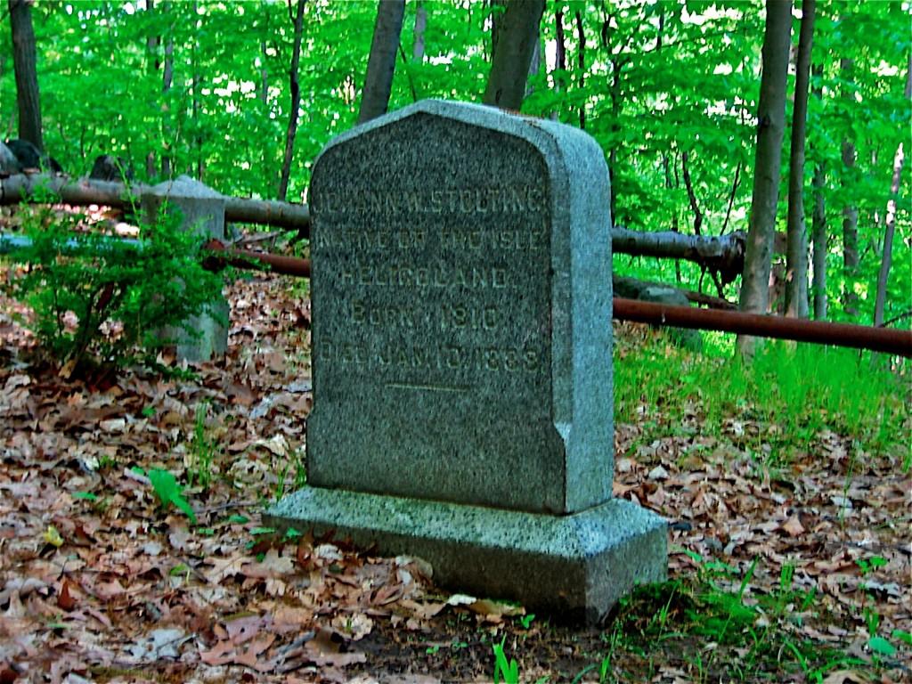 new_hermit_grave